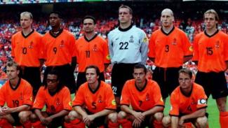 Skuat Timnas Belanda kontra Prancis di Piala Eropa 2000