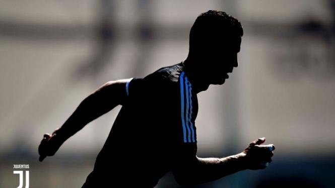 Cristiano Ronaldo dalam sesi latihan Juventus