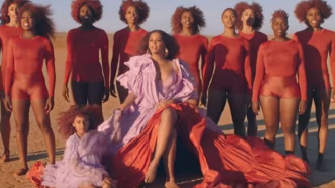 Beyonce dalam video klip Spirit