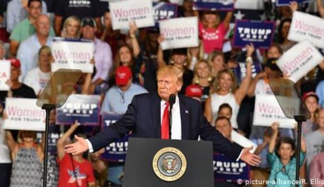 https://thumb.viva.co.id/media/frontend/thumbs3/2019/07/19/5d311f6c02b75-serangan-rasis-trump-ke-kubu-demokrat-taktik-untuk-pemilu-2020_663_382.jpg