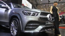 https://thumb.viva.co.id/media/frontend/thumbs3/2019/07/20/5d32866de4a8e-mercedes-benz-luncurkan-dua-model-baru-di-giias-2019-the-new-gle_213_120.jpg