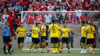 https://thumb.viva.co.id/media/frontend/thumbs3/2019/07/20/5d328e7e88604-para-pemain-borussia-dortmund-merayakan-gol-ke-gawang-liverpool_325_183.jpg