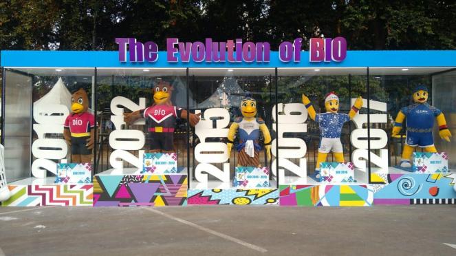 Etalase badut maskot Indonesia Open