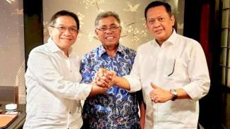Indra Bambang Utoyo (kiri), bersama Pontjo Sutowo, dan Bamsoet.