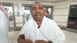 Ustaz Umar Bauw Al Bintuni, pembimbing jemaah haji asal Papua