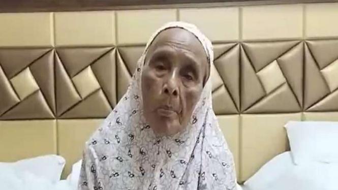 Nenek Tiwa, 102 tahun, jemaah haji asal Pamekasan