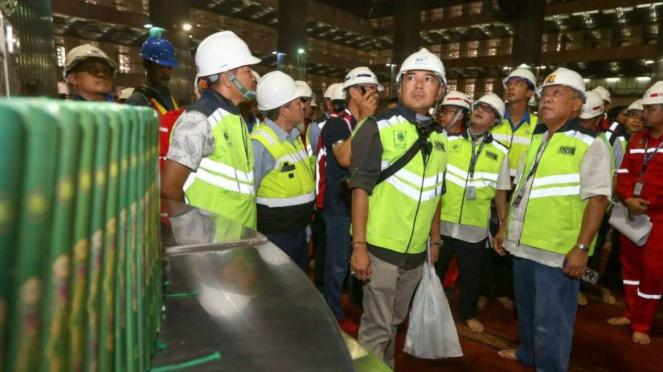 Menteri PUPR Basuki Hadimuljono saat meninjau renovasi Masjid Istiqlal, Jakarta.