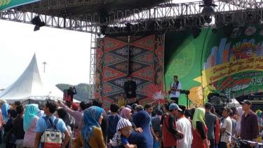 Gubernur DKI Jakarta Anies Baswedan di acara Lebaran Betawi, di Monas, Jakarta.
