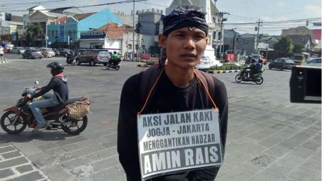 Lilik Yuliantoro, pria yang rela gantikan Amien Rais penuhi nazar jalan kaki Yogtakarta-Jakarta.