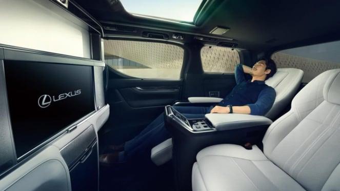Lexus LM, Alphard versi mewah.