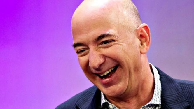 Lebih Senang Habiskan Uang di Luar Angkasa, Alasan Jeff Bezos Luar Biasa!. (FOTO: Reuters/Mike Segar).
