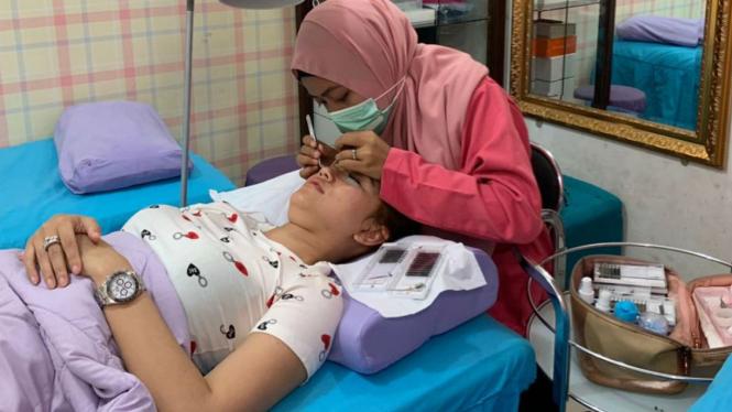 Jasa eyelash extension