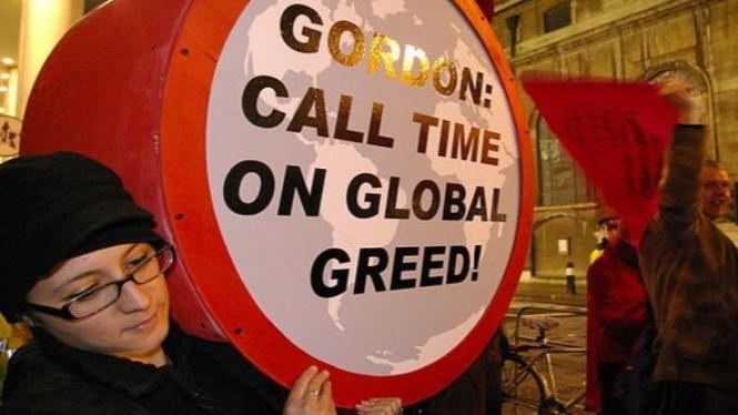 Protest terhadap Keserakahan Global. Credit: Peter Taylor
