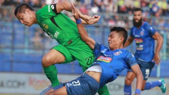 Duel Arema FC vs Bhayangkara FC.
