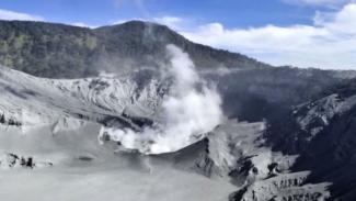 Gunung Tangkuban Perahu pasca erupsi