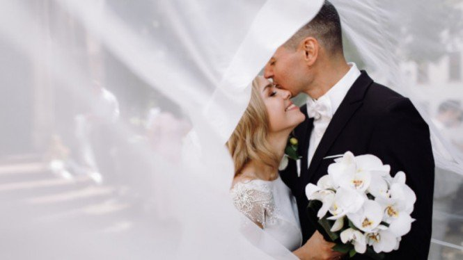 Ilustrasi pernikahan/pre-wedding.