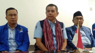 Sekretaris Jenderal Partai Demokrat Hinca Panjaitan berkunjung ke Lombok, Nusa Tenggara Barat, dalam rangka konsolidasi kader di provinsi itu, Sabtu malam, 27 Juli 2019.