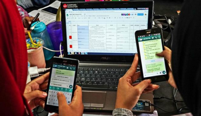 https://thumb.viva.co.id/media/frontend/thumbs3/2019/07/28/5d3d67e9a2d4c-cihuy-whatsapp-web-akan-tetap-bekerja-meski-ponsel-mati_663_382.jpg