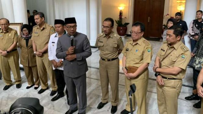 Gubernur Jawa Barat Ridwan Kamil dalam konferensi pers di Gedung Sate, Kota Bandung, Selasa, 30 Juli 2019.