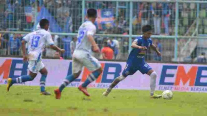 Pertandingan Arema FC vs Persib Bandung di Piala Indonesia