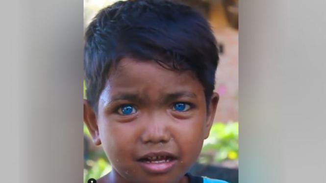 Bocah bermata biru