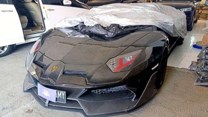 Lamborghini milik Raffi Ahmad