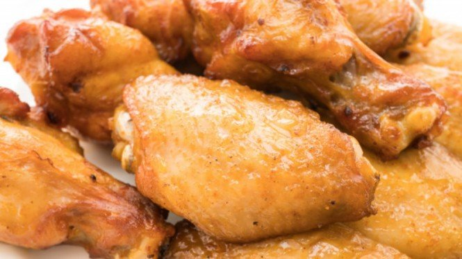 Ayam goreng.