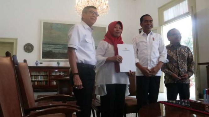 Baiq Nuril bertemu Presiden Jokowi di Istana Bogor
