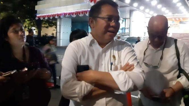 Menkominfo Rudiantara di luar Gedung Kominfo, Jakarta, Jumat 2 Agustus 2019.