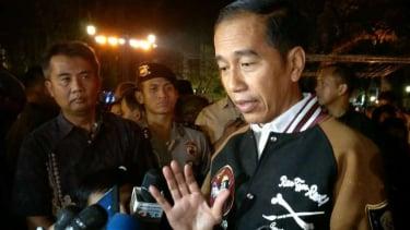 Presiden Jokowi memberikan keterangan pers terkait gempa