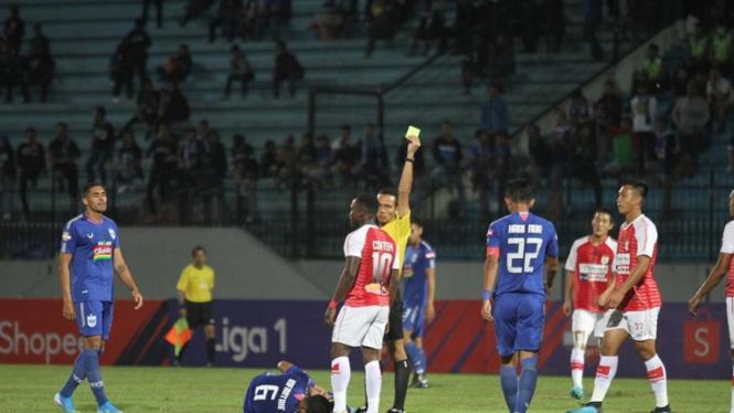 Pertandingan PSIS Semarang vs Persipura Jayapura