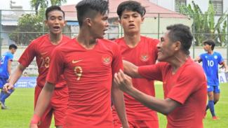 Pemain Timnas Indonesia U-18 saat melawan Filipina di Piala AFF U-18