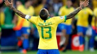 Bek Timnas Brasil, Dani Alves