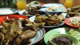 Ayam Goreng Mbah Karto Solo.