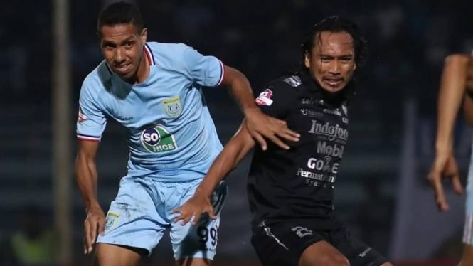Duel Persela vs Persib di Liga 1 2019