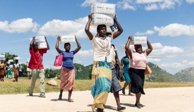 https://thumb.viva.co.id/media/frontend/thumbs3/2019/08/09/5d4c9f34c8460-zimbabwe-pernah-jadi-lumbung-pangan-kini-lima-juta-penduduknya-hadapi-krisis-pangan-kata-pbb_663_382.jpg
