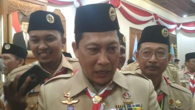 Direktur Utama Bulog usai pelantikan Majelis Pembina Daerah Pramuka Jawa Timur di Gedung Negara Grahadi, Surabaya, pada Jumat, 9 Agustus 2019.