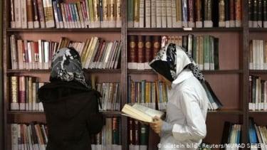https://thumb.viva.co.id/media/frontend/thumbs3/2019/08/09/5d4d2e38a6787-kurikulum-islami-dinilai-bebani-kualitas-murid-sekolah-di-turki_375_211.jpg