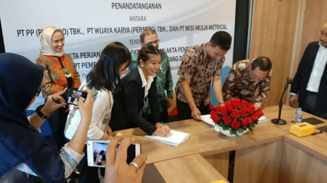 Penandatangan kesepakatan patungan proyek tol Semarang-Demak