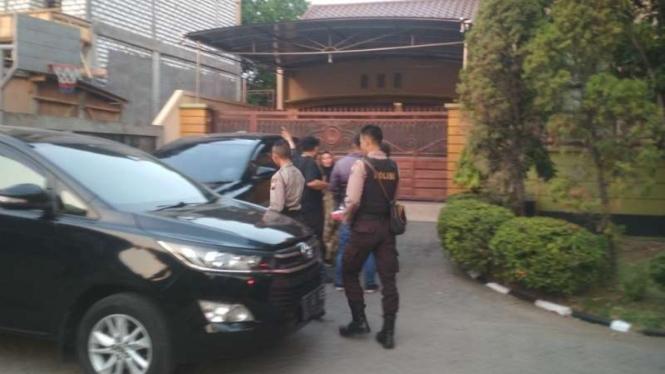 Rumah Karsali, orang dekat mantan gubernur Jawa Timur, yang digeledah KPK di kompleks Sakura Regency Surabaya pada Jumat, 9 Agustus 2019.