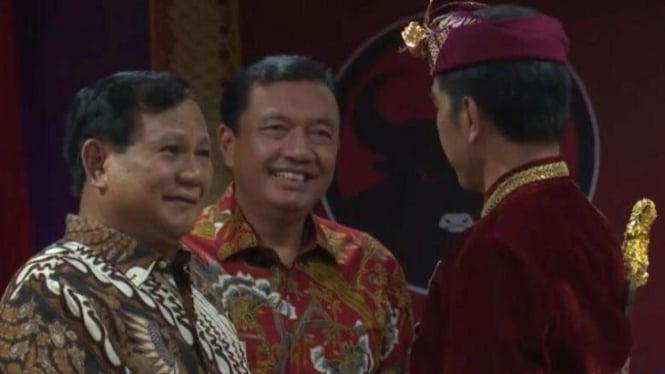 Budi Gunawan bersama Jokowi dan Prabowo.