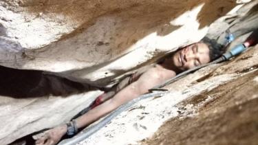 https://thumb.viva.co.id/media/frontend/thumbs3/2019/08/10/5d4df8f33e270-pria-kamboja-berhasil-diselamatkan-setelah-terjebak-empat-hari-di-gua-sempit-saya-sempat-kehilangan-harapan-hidup_375_211.jpg