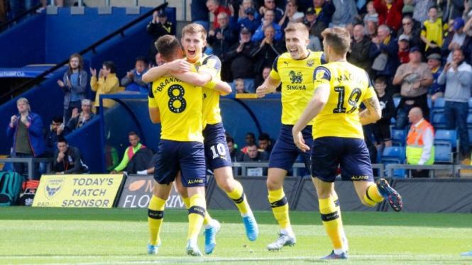Selebrasi gol pemain Oxford United