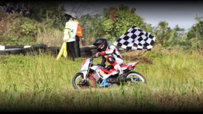 Pembalap Astra Motor Racing Team, Fitriansyah Kete.