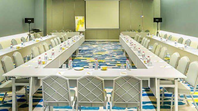 Ruangan meeting Yello Hotel Harmoni