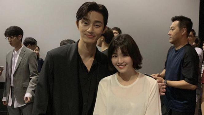Park Seo Joon dan seorang penggemar.