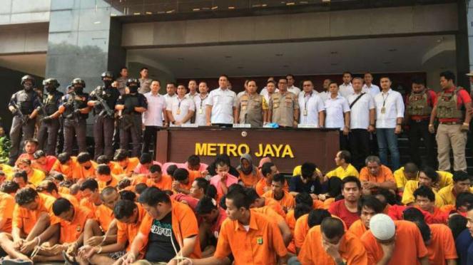 Polda Metro Jaya dan jajaran bekuk ratusan pelaku kejahatan jalanan.