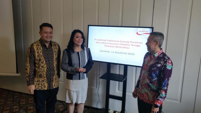 Chief Agency Officel Prudential Indonesia, Rusli Chan (kiri).