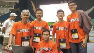 Delegasi dari Tim Olimpiade Komputer Indonesia (TOKI).