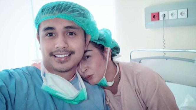 Ajun Perwira dan istri
